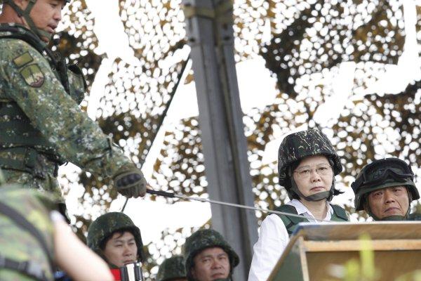夏珍專欄:國不國黨不黨,中華民國與台灣,俱危矣