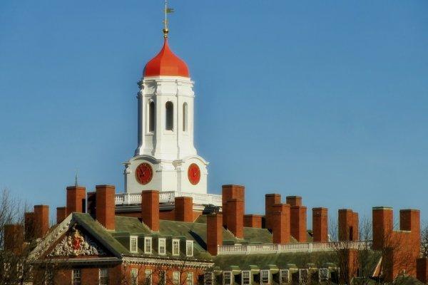 臉書好友發表反美言論 哈佛大學新生竟被美國海關遣返!