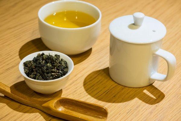喝茶可有著大學問啊!冷泡茶跟熱沖茶哪一個比較健康,農委會實驗道出正確答案