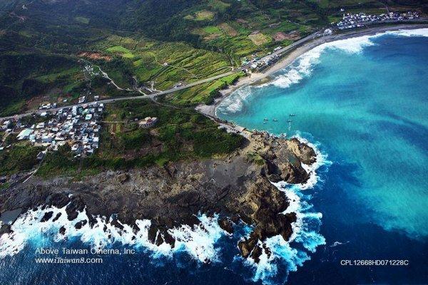 謝錦芳專欄              看不見海的島