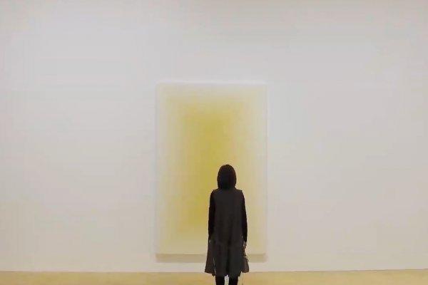 為何一幅只有黃色的畫能驚豔全球?紀錄片曝中國藝術家筆下真相,原因跟棺木有關…