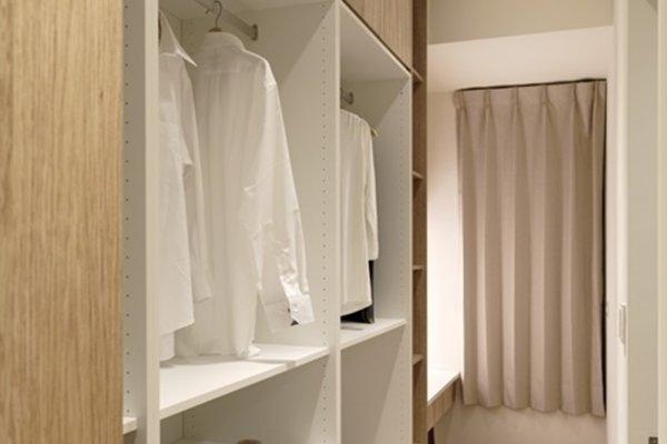 悶熱的空氣、潮濕的水氣,總覺得快發霉長香菇?4招對抗浴室、衣櫃惱人防潮問題