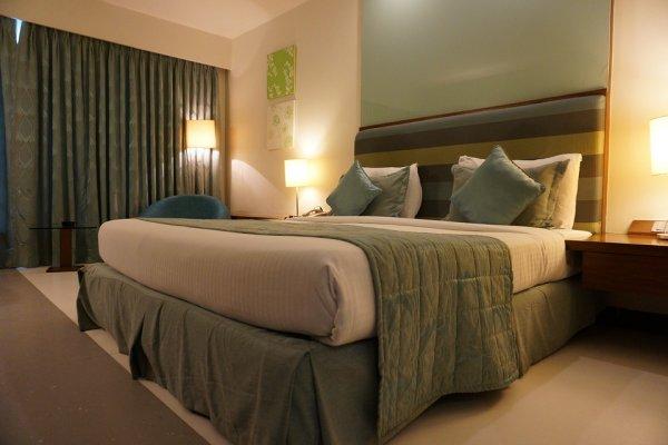 把旅館提供的浴袍、紙拖鞋穿到大廳、在檯燈上晾衣服…這幾種顧客讓飯店最頭痛