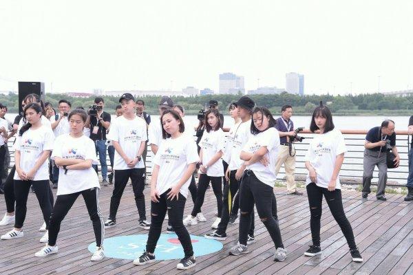 雙城論壇》兩岸高中生尬街舞 柯文哲:上海舞蹈基礎好,台灣活潑有創意