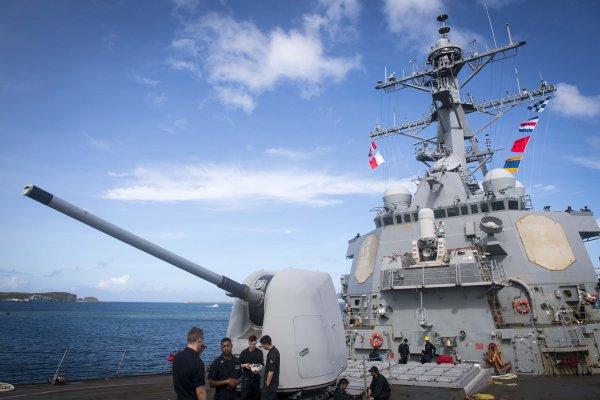 美神盾艦駛入西沙群島12海里 中國回應:即刻停止挑釁,否則空著手滾!