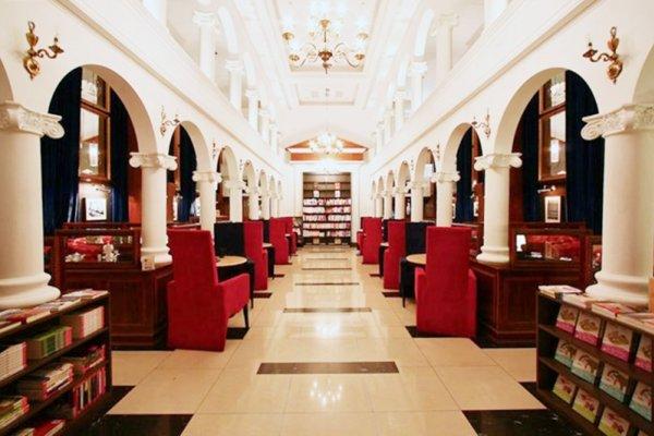 台北最強咖啡廳都在這!5大絕美「浮誇系咖啡店」,哈利波特圖書館、溜滑梯全上啦