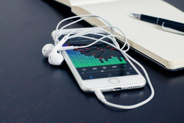 這段每天都會聽到的音樂,創作者卻不為人知?原來iPhone鈴聲背後有這樣的故事…
