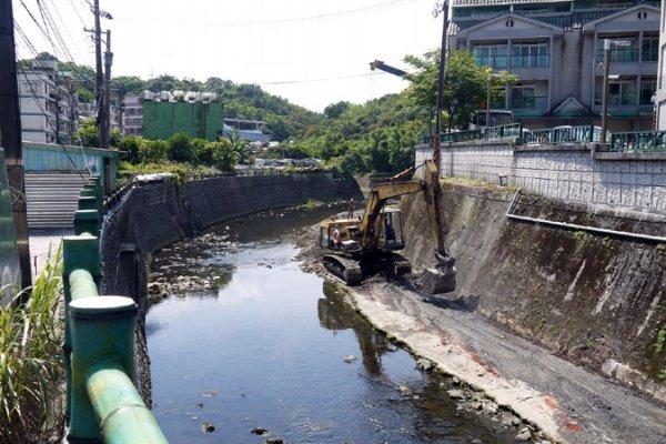 基隆深澳境溪疏浚 改善周邊淹水問題