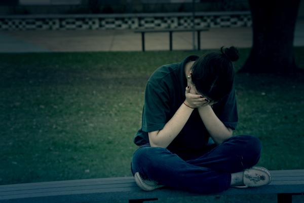 難過、生氣到理智線快斷怎麼辦?美國專家:用第三人稱跟自己對話有助平復情緒