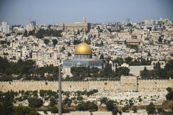 聖殿山爭議》誰的聖殿山、誰的清真寺? 從安檢門爭議看永無止境的以巴衝突