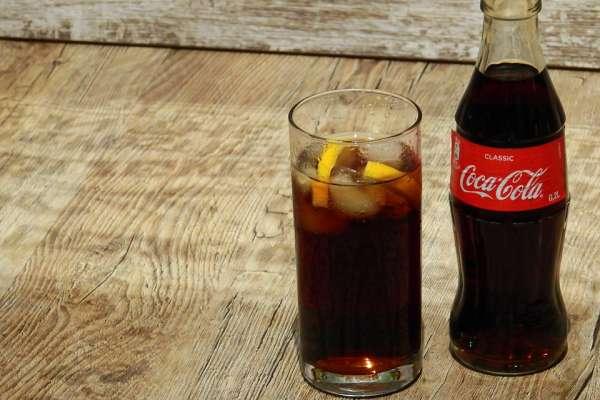 為何可口可樂總能吸引那麼多人為它瘋狂?這些客製化行銷方式真的超厲害!