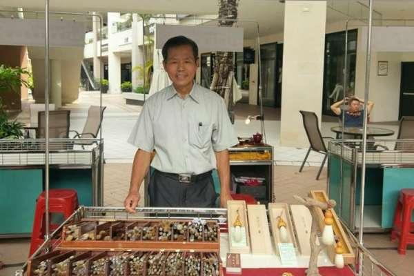 他50年來愛筆成痴,還花12年用「十二生肖」來做毛筆,等等…那龍跟蛇的要怎麼做?
