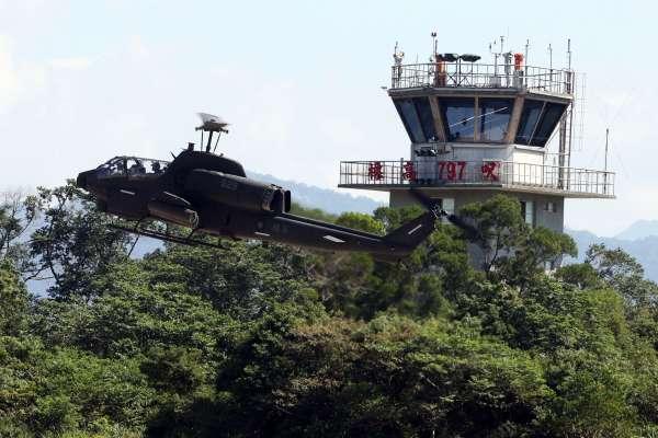 「旋翼機守護神」AH-1W攻擊直升機保修現場罕見曝光