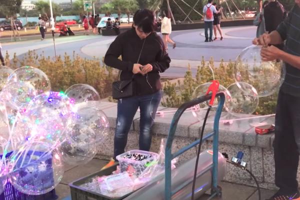 時下最夯、網美必備的「發光氣球」超恐怖!不肖商人用這手法,讓它成為「行動炸彈」…