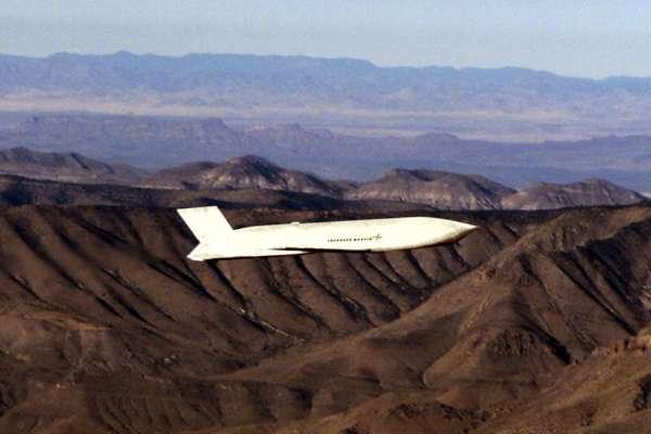 精準打擊敵軍源頭!台向美購AGM-158匿蹤飛彈 陸專家脫口「有威脅」