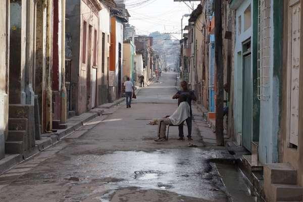 賣掉所有家產付錢給人蛇集團,路途中死傷無數…古巴人為何把逃往美國當天堂之路?