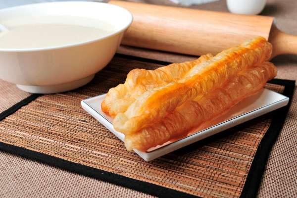 早餐吃到宵夜都可以!盤點台北6家人氣最高「豆漿油條店」,免百元就吃飽、內行超推薦