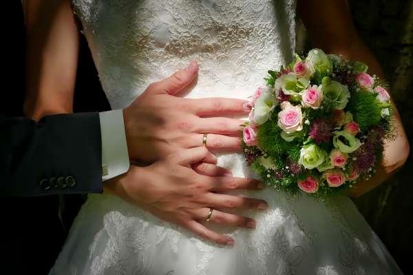 你是否一定年紀還未婚,常被長輩酸言酸語?呂秋遠勸世好文,告訴你為何婚不該亂結