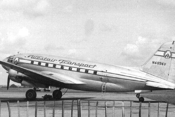 以前飛機窗戶明明是方的,為何現在變圓的?64年前羅馬這場空難懸案,至今想來仍毛骨悚然