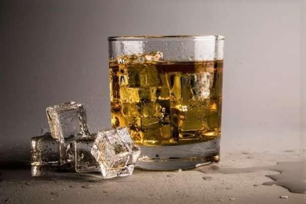 懂喝威士忌是品味的象徵!內行人精闢講解破迷思,看懂這篇你也能變人人敬佩的老饕!