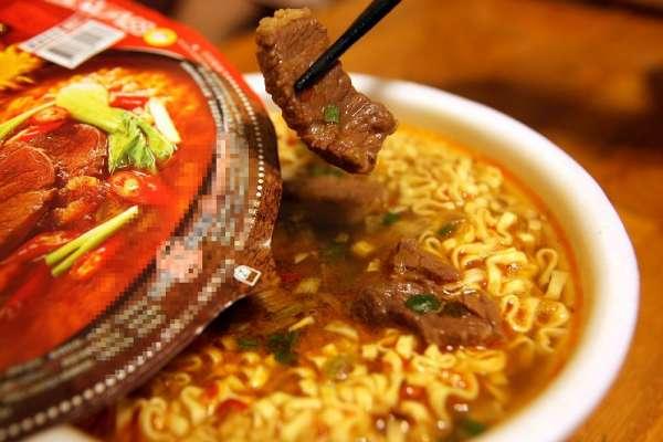 居家防疫小心爆肥!營養師公布20款「熱門泡麵熱量排行」,前三名都是台灣人的最愛