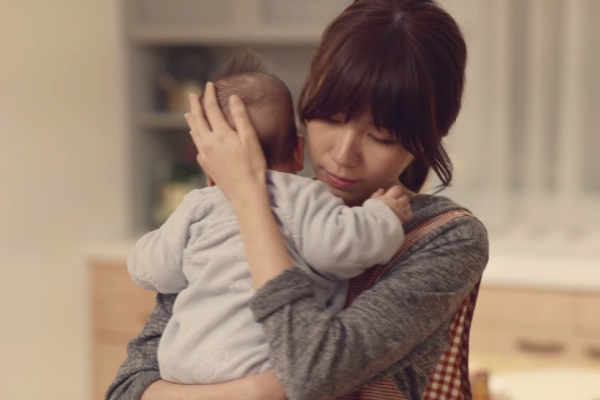 為何爸爸帶小孩會有幸福感,媽媽帶孩子卻往往變超憂鬱?這份研究道出背後原因