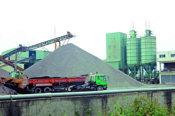 全台近萬輛砂石車僅8%申請汰換 環保署:空污法上路非砂石短缺主因