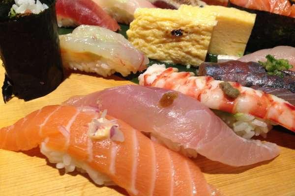 別再吃迴轉壽司啦!盤點台北十家壽司名店,20種口味吃到飽、比手機還大顆…簡直CP值爆表