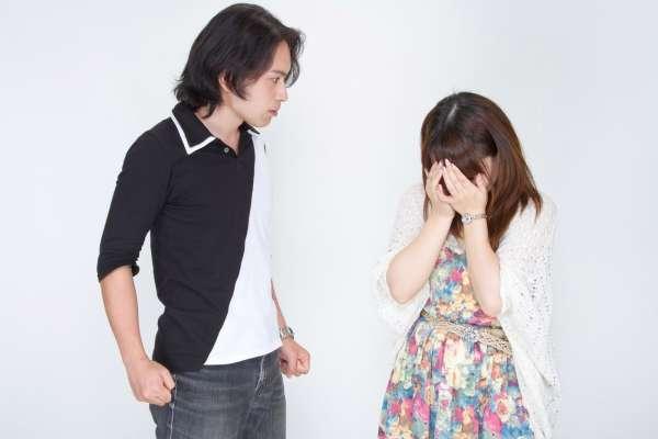 為懷孕「下跪求歡」,丈夫一腳踢開11年不做愛!她花300萬離婚,才看透女人的婚姻致命傷...