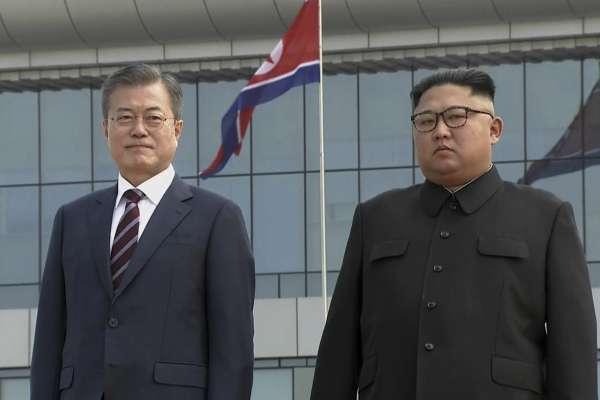 11年來首位踏上平壤的南韓總統:文在寅正式訪問北韓,金正恩到機場親迎