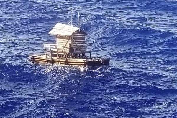 真人版《少年PI的奇幻漂流》!捕魚、禱告、喝過濾海水…印尼青年海上漂流49天奇蹟生還!