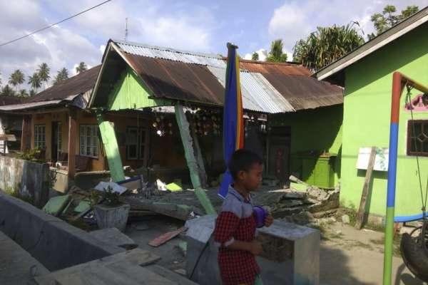 印尼蘇拉威西再傳規模7.5強震!當局發布海嘯警報