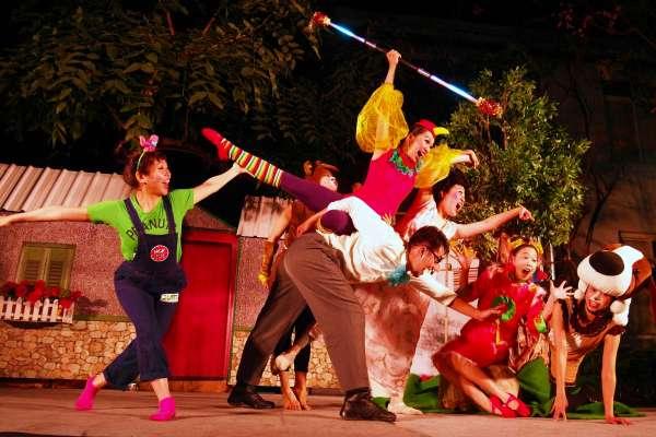 「極至體能」肢體舞蹈傳神 12生肖親子劇嗨翻平溪學童