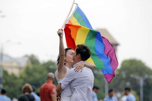 反同專法「公投法施行法」逕付二讀 同婚角力立院開打