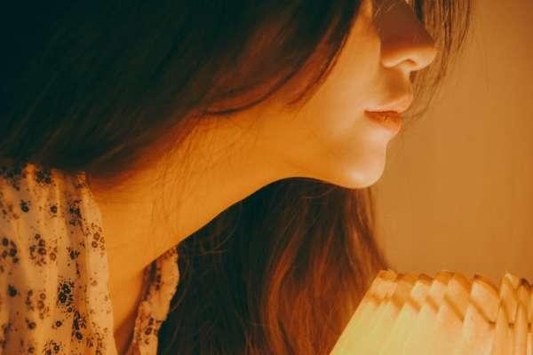 那些總是不開心的人,都在想什麼?心理師道出8種常見負面思維