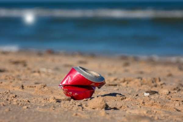 沒泳衣泳鏡、拿不到簽證,仍堅持在滿是垃圾的海灘練習…懷抱東奧夢、全球最克難的游泳隊