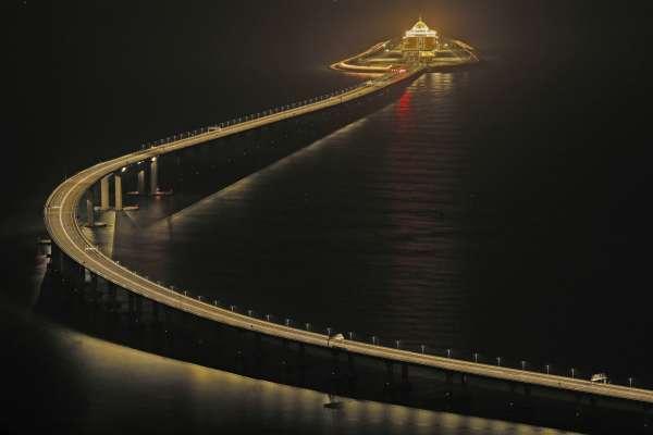 全球最長跨海大橋落成!習近平親自南下就說了這一句:港珠澳大橋正式開通