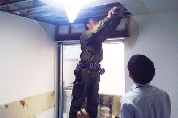 房子老是漏水,是該自己花錢修,還是請房東修?內行人:租到漏水屋,房客可以這樣自救