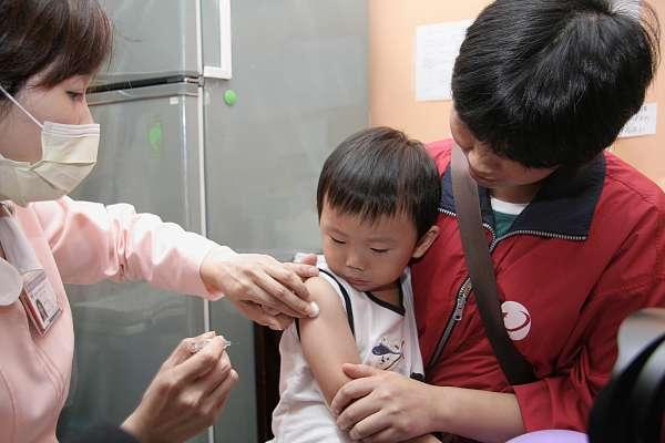 春節出遊當心防疫!流感病毒與中日韓同步 50至64歲高危險群