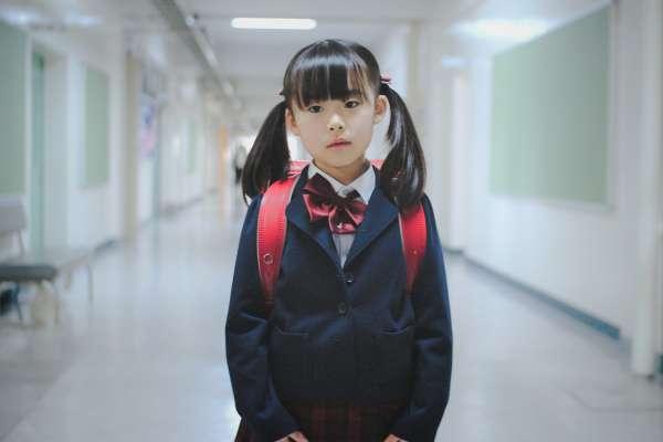 聯絡簿養成了多少爸寶、媽寶?一名台灣家長在「沒有聯絡簿」的以色列,看見最棒國民教育