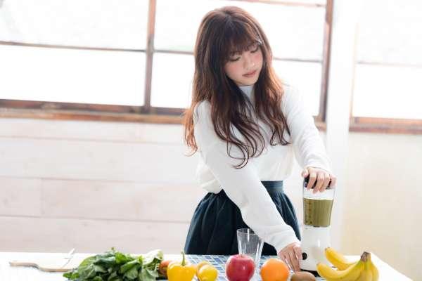 比168斷食法更容易!減重醫師公開「微低碳211餐盤」飲食原則,讓你吃得飽又不怕胖