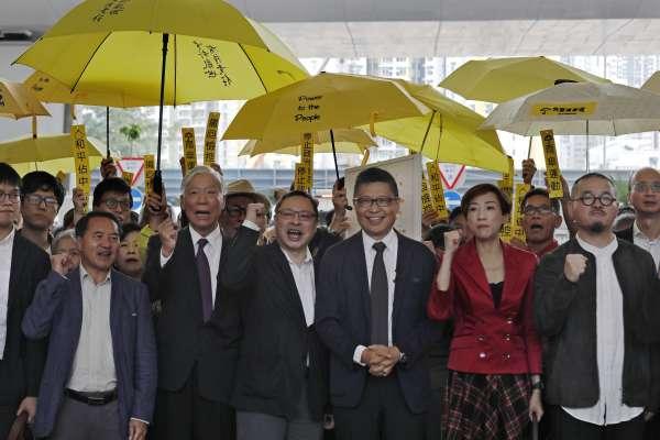 「有什麼比相信一國兩制還要天真?」佔中三子入獄前感嘆:今天,珍惜香港的所有人都是被告
