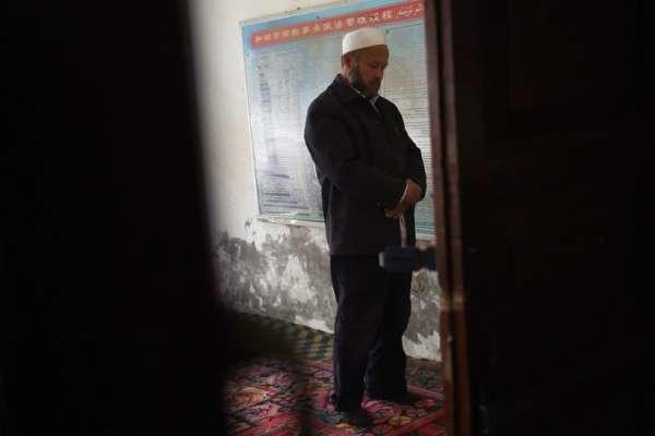 「官員強迫她脫去所有衣服」巴基斯坦人的中國妻子被抓進「再教育營」,要求遠離伊斯蘭教丈夫