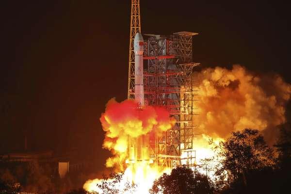 中國「嫦娥四號」發射升空!探測地球人看不到的月球背面 打造「迷你月球生態園」