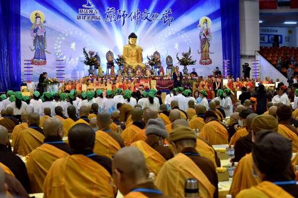 新北藥師佛文化節 朱立倫供燈祈求全民安康