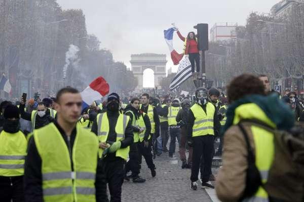 抗議與色彩》黃背心、紅衫軍、綠色革命……這些代表色有什麼特殊意涵?一窺各國的「顏色革命」