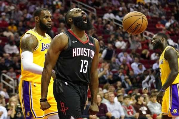NBA》哈登顏扣麥基引全場沸騰 大鬍子50分大三元大虐湖人