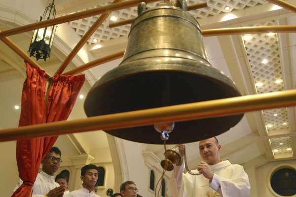 見證20世紀初美軍侵略屠殺暴行》3座菲律賓教堂大鐘 117年之後物歸原主
