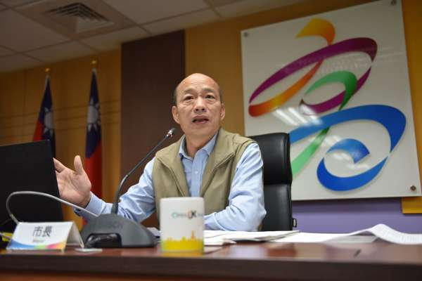 深夜開直播》韓國瑜承諾教室加裝冷氣、空氣清淨機 盼「企業家幫付電費」