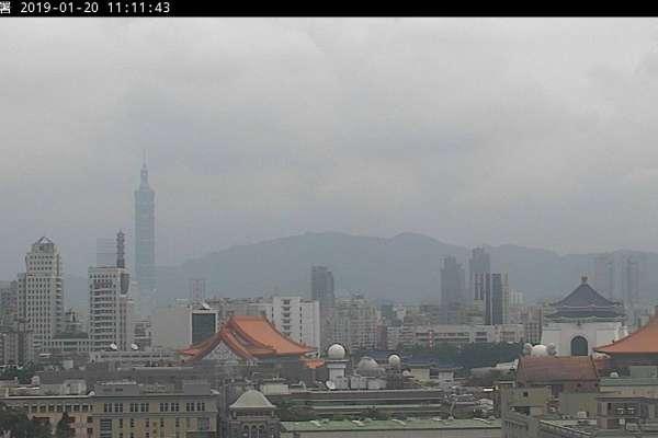 記得戴口罩!全台18測站「亮紅燈」中國霾害今下午入侵